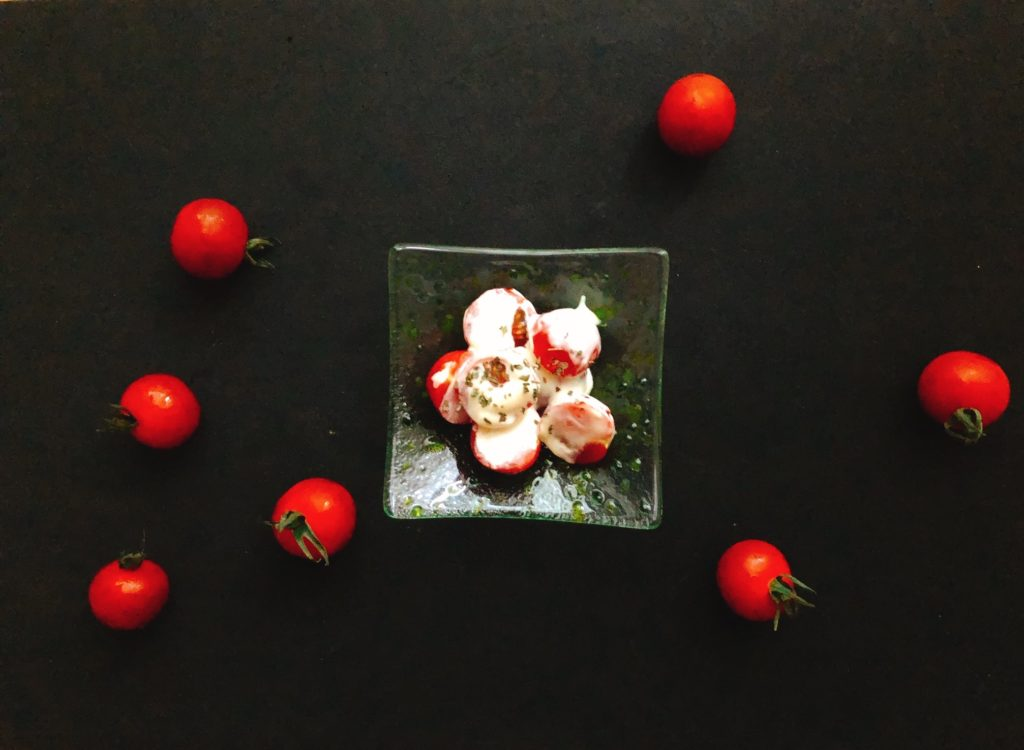 Sir Kensington'sのマヨネーズとトマトで簡単混ぜサラダ