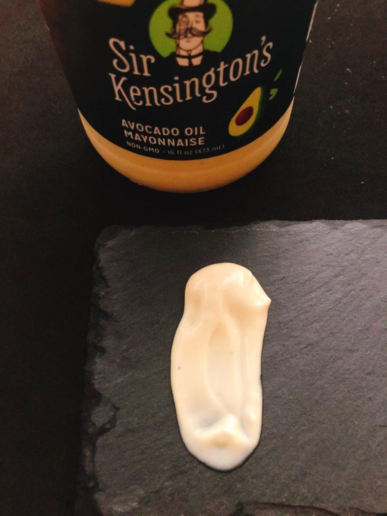 Sir Kensington'sのマヨネーズのテクスチャーは少し柔らかくてトロッとしている。