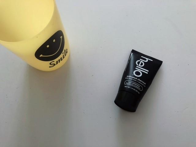 ハローの活性炭入り歯磨き粉