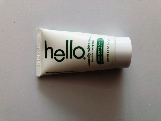 helloハローのホワイトニング歯磨き粉