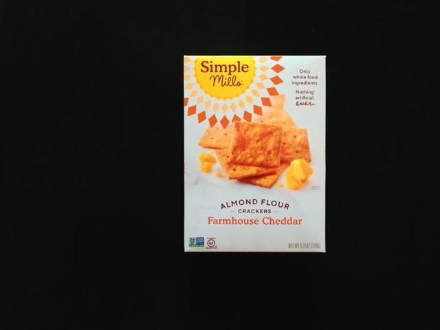 シンプルミルズのチーズクラッカーのパッケージの表