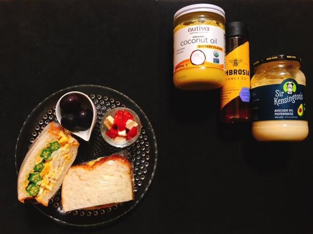 アイハーブで買った調味料と完成した玉子サンド