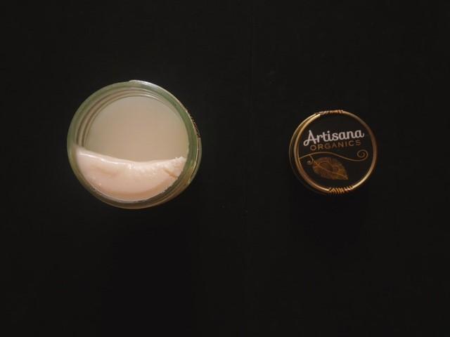 アーティサナのココナッツバターが分離している様子