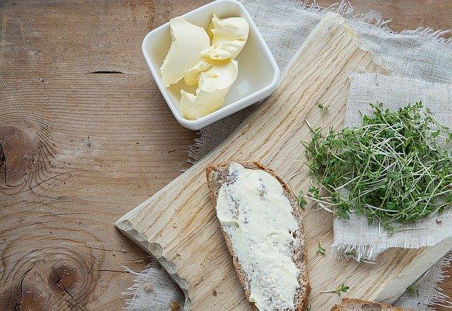 【iHerbアイハーブ】バターの代用品!バター風味のココナツオイルが最高に美味しい